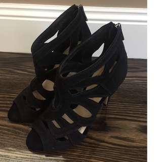 Black high heels worn once