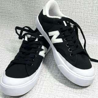 new balance 微笑帆布鞋
