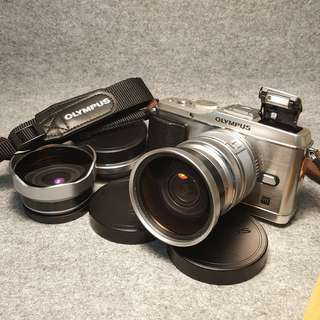 OLYMPUS PEN E-P3 with  Fisheye + Macro + Wideangle Lens PLUS 2 strap