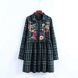 Zara格仔刺繡連身裙
