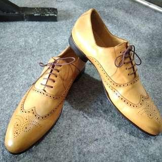 Sepatu formal merk nina ricci size 43