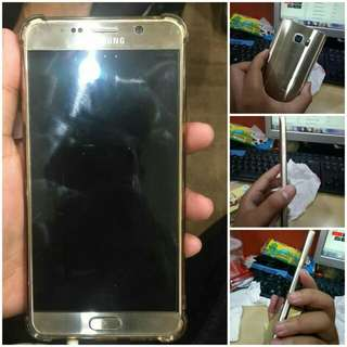Samsung Galaxy Note 5 🌟FOR SALE🌟 SAMSUNG GALAXY NOTE 5 Rp4.000.000,- (nego tipis) Kondisi 98% Ram 4 Fast Charger Memory internal 32Gb Grab it fast!!!!
