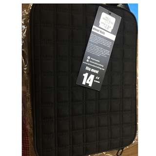 """Plain black laptop case for 13"""" laptop"""