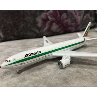 Alitalia Boeing 777 Metal Airplane Model. Home Decoration (New without box)