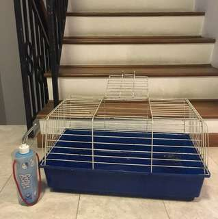 Rabbit cage with Vacuum Drip Resistant Bottle