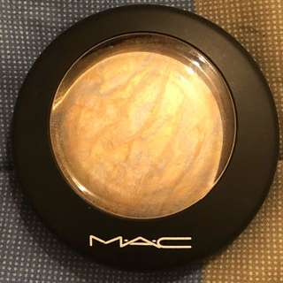 Authentic MAC Cosmetics Mineralize Skinfinish Lightscapade