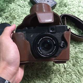 Fujifilm X10 Camera (Made in Japan)