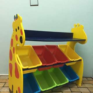 Giraffe Children Rack With 8 Storage