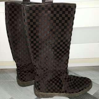 LV Damier  Boot