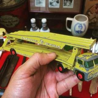 Vintage Lesney Transporter Antik