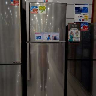 kulkas Sharp 2 pintu bisa dicicil