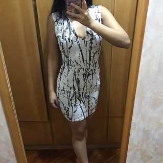 Missguided 白色連身裙