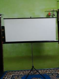 Projection Screen (1500mm×800mm)