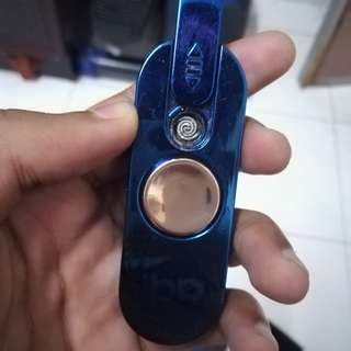 2 in 1 Fidget Spinner Lighter.
