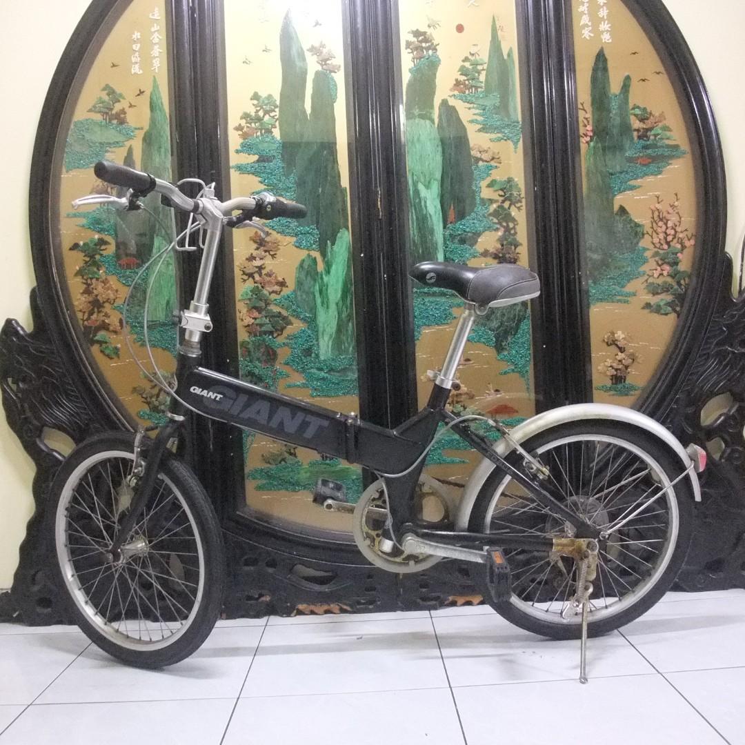 鋁合金20吋giant捷安特FD806 shimano 6段變速折摺疊腳踏車.桃園市桃鶯路附近自取aluminum Folding bike