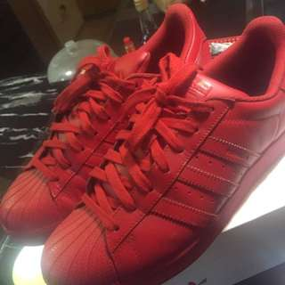 Superstar Pharell Williams Tripple Red