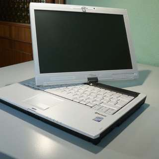 Fujitsu laptop very good condition movable screen n touch screen