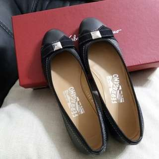 New Ferragamo Flat Shoes Size 35