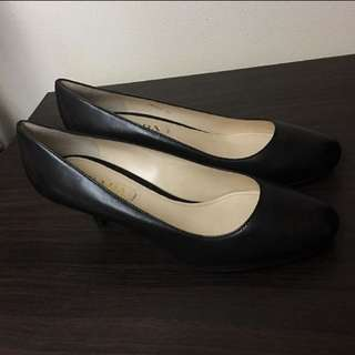 BNIB Authentic Prada Vitello Nero Heels