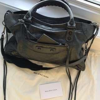 Balenciaga classic city bag 💼 *price drop
