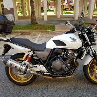 Honda CB400 Revo (Pearl White)