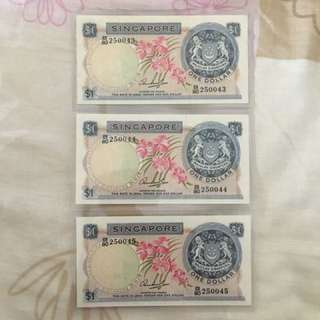 Fixed Price - Singapore Orchid Series $1 Paper Banknote Hon Sui Sen Signature Without Red Seal 3 Runs AUNC Minor Foxing