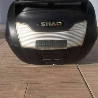 Box Shad SH40 Chargo Depok II / Breket SHAD new megapro
