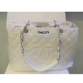 AUTHENTIC CHANEL GST IN WHITE CAVIAR LEATHER - GOOD CONDITION