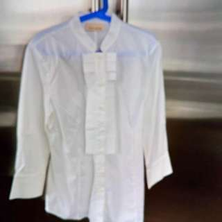 DKNY WHITE LONGSLEEVE FOR WOMEN