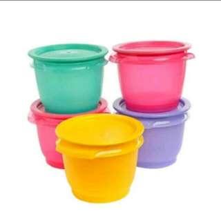 Tupperware bowl set