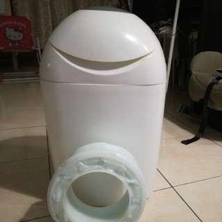 Sangenic diaper bin