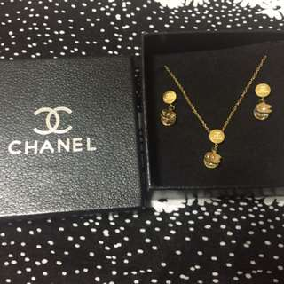 Chanel earings and necklace set
