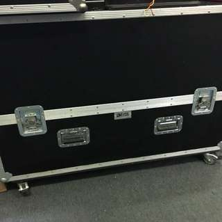 "50"" tv flight case"