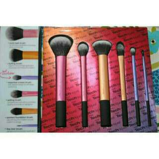 REPRICED!!Real Techniques Makeup Brush Set