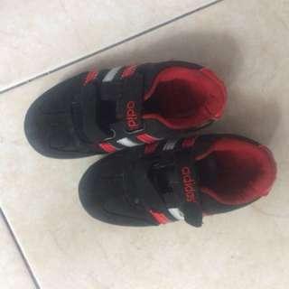 Sepatu Adidas anak Size 28