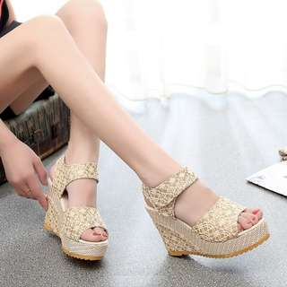 🔥READY STOCK🔥 Lace Wedges