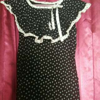 Top hitam motif