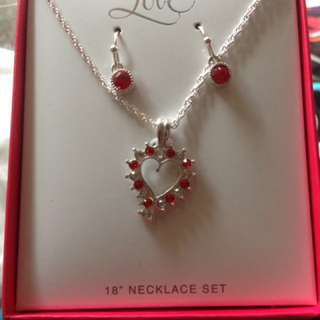 Necklace earing set