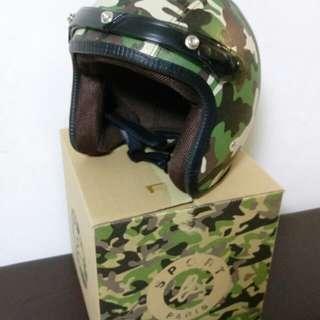 Agnes b 綠色迷彩電單車頭盔