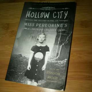 Hollow City book 2 Miss Peregrine's Peculiar Children