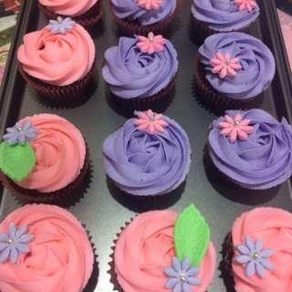 Chocolate Moist Cupcakes per Dozen