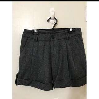 MOMA 毛料短褲 原價2680 質感超好的S一般M可喔