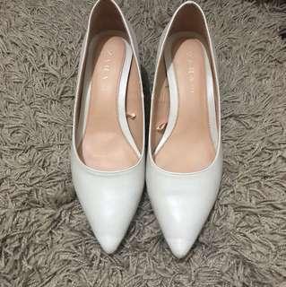 尾牙 Zara 白色粗跟鞋 36 23