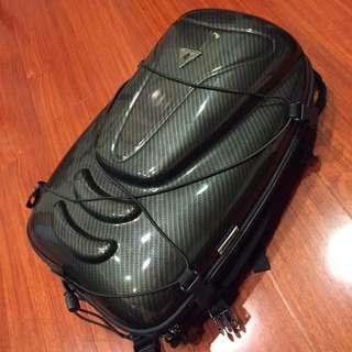 GIANT 捷安特TPU雙肩硬殼後背包