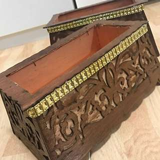 TRADITIONAL WOODEN TEPAK / holder