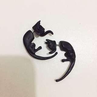 黑色貓咪造型耳環 一對兩隻販售
