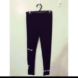 大推薦 顯瘦韓風內搭褲 簡單配長版衣 就超級有型喔 SM都可以 帥氣的字母圖案❤️