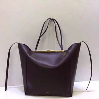 Celine Cabas clasp 秋冬新款購物袋!超級大容量,內外全皮!進口胎牛拼進口羊皮內裡!size:31x20x35x54