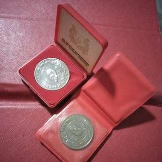 2pc of zodia $10 CNY coins