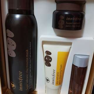 Innisfree volcanic clay mousse mask set